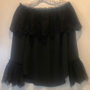NWOT off the shoulder lace overlay top xs